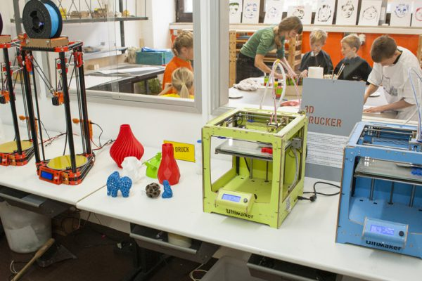fablab-kids-slideshow-2017-03
